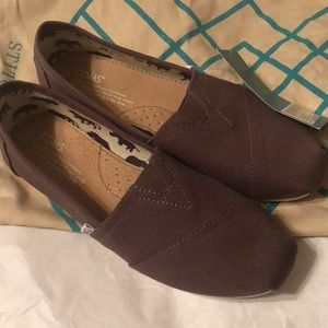 Classic Toms- new with tags- size 7.5- Ash Canvas